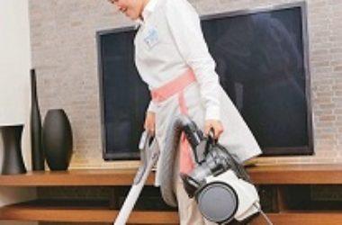 家事掃除機かけ